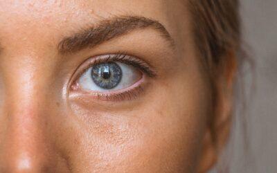 Få stærkere og sundere øjenbryn med øjenbrynsserum
